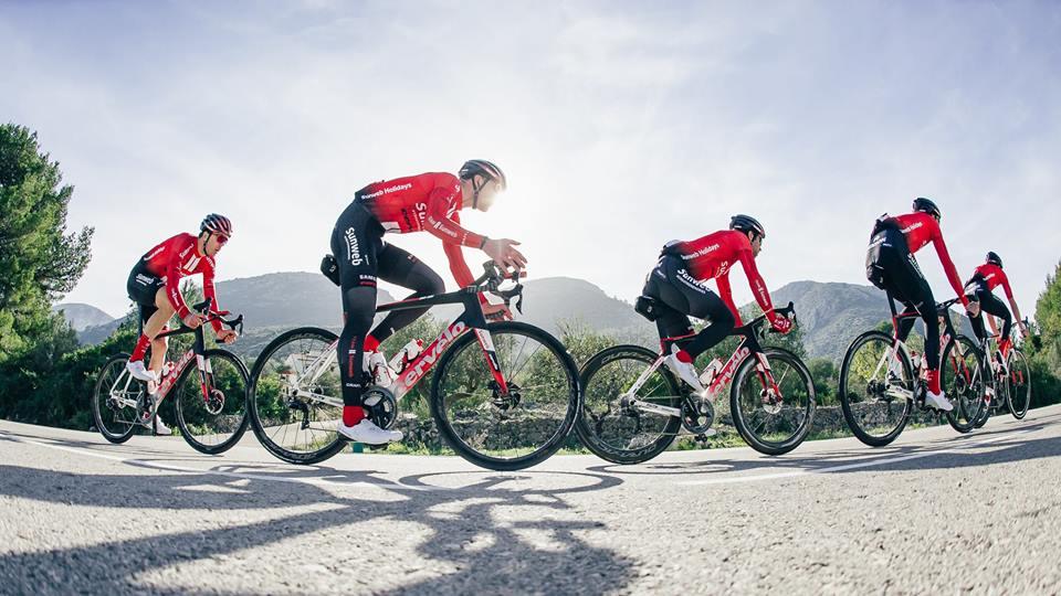dde3eb421eb6c Craft - Na světě je nový cyklistický dres WourldTour týmu Team Sunweb!